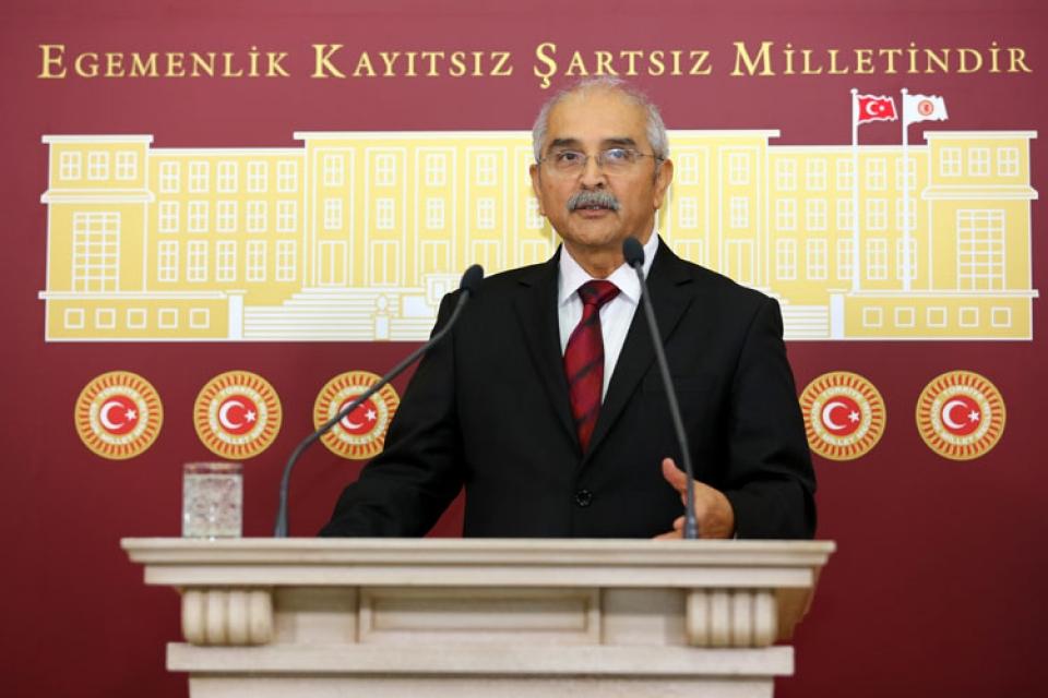 CHP'li Demir, Bakan Eroğlu'na Fıstık  Çamlarındaki Hastalığı Sordu