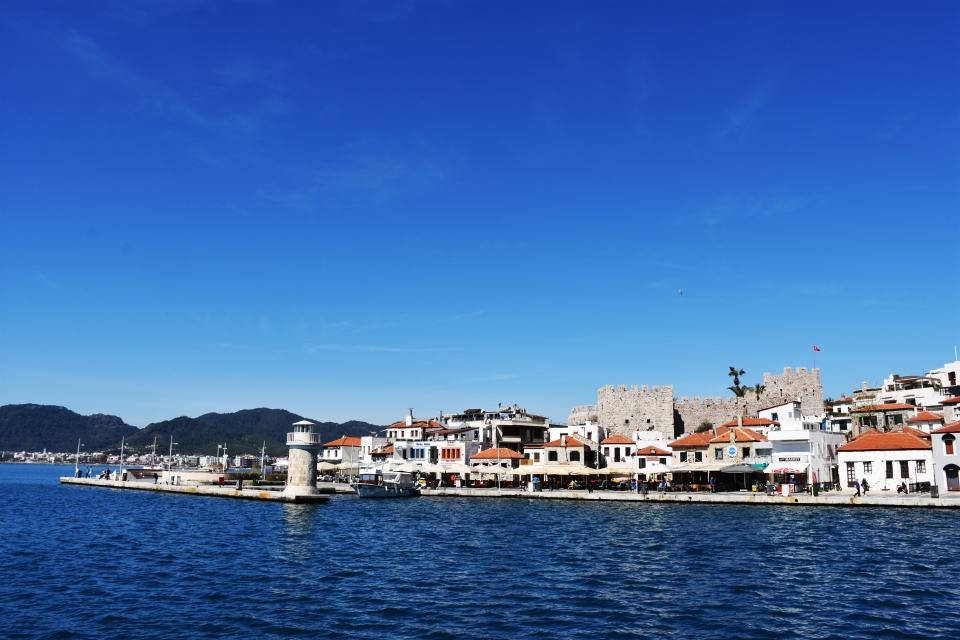 Güney Ege'ye turist akını hız kesmedi