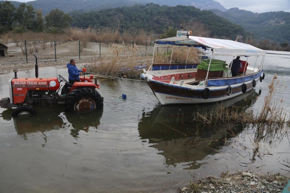 Dalyan'da tekneler sezona hazırlanıyor