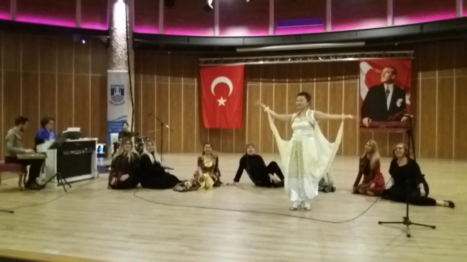 KARSANAT'tan Müzikal Gösteri