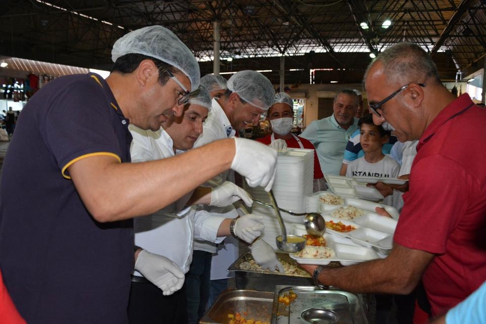 İyi Parti Bodrum'dan 2500 kişiye İftar Yemeği