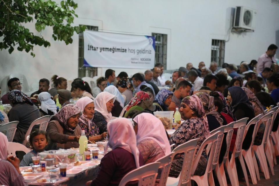 İlk iftar Çömlekçi'de yapıldı
