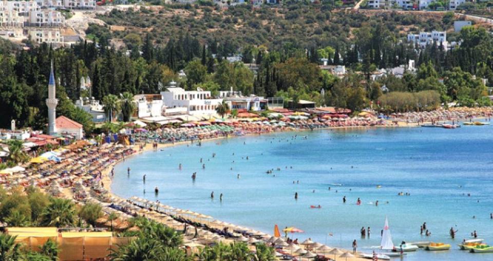 Bakanlık Duyurdu: 2019'da Antalya, Bodrum ve Çeşme'de Halk Plajları İhalesi Yapılacak