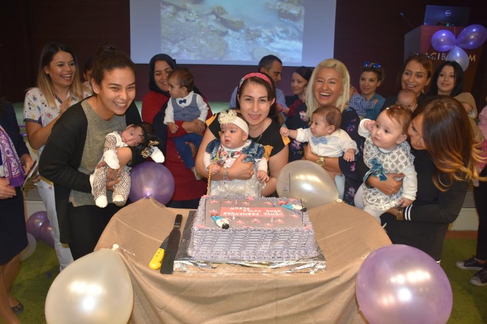 Prematüre bebekler ve aileleri bir araya geldi
