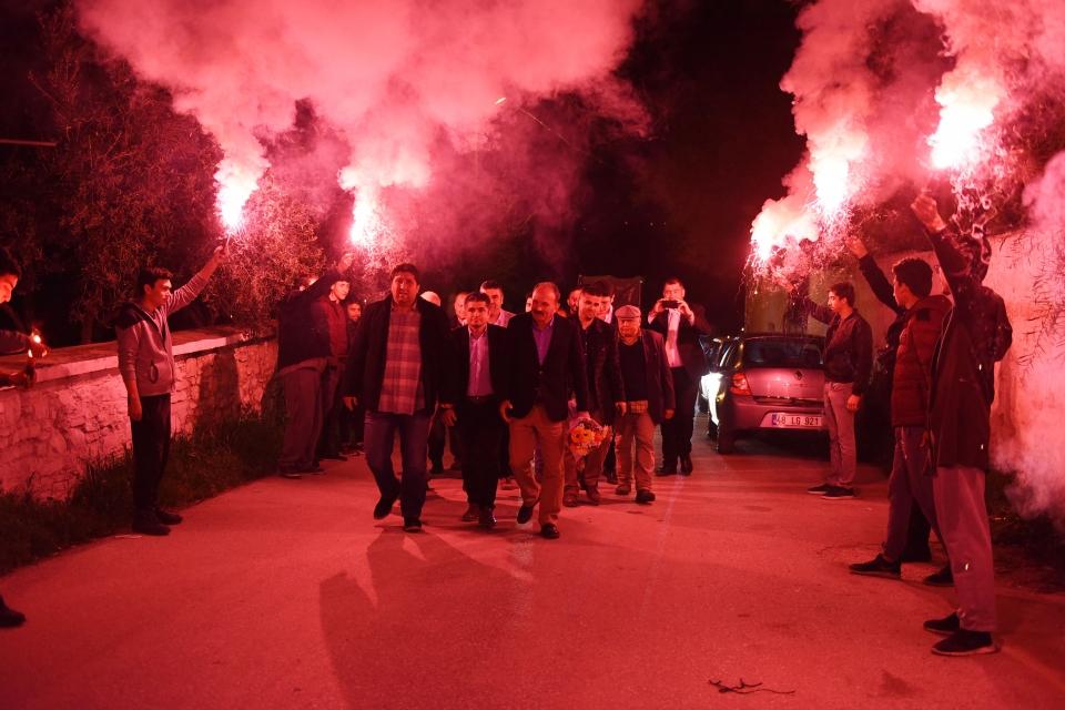 Behçet Saatcı, Milas'ın kırsal  mahallerinde coşkuyla karşılandı