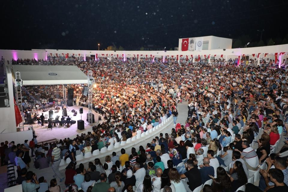 Zurna Festivalini 200 bin kişi izledi