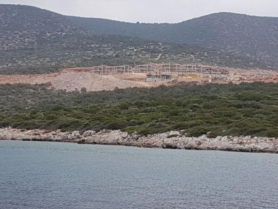 Tavşan Adası'ndaki inşaatı protesto ettiler