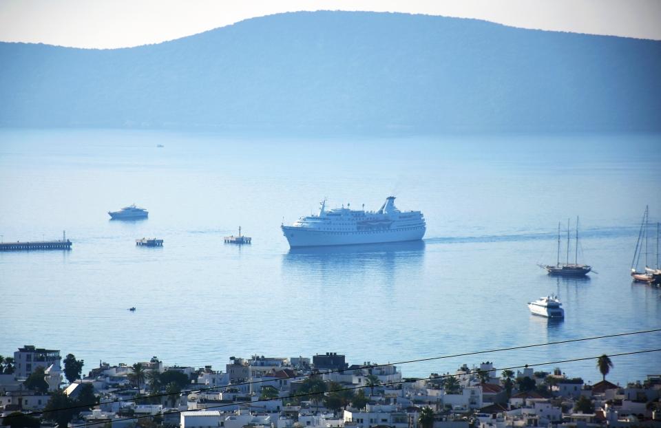 Ocean Majesty  çoğu Yunan 276 turist getirdi