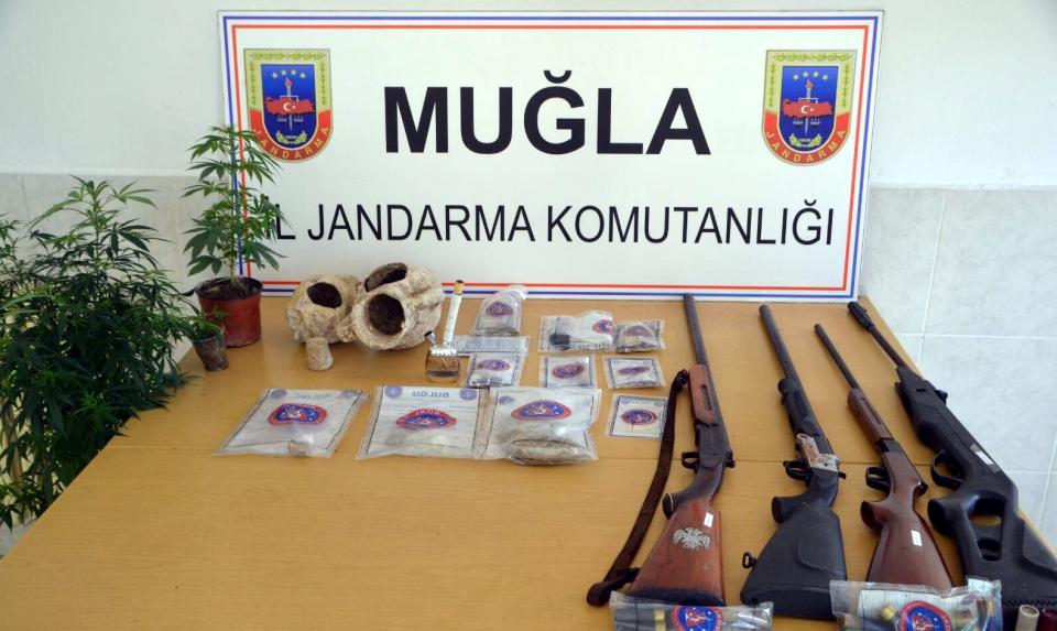 Uyuşturucu operasyonu 9 KİŞİ GÖZALTINA ALINDI