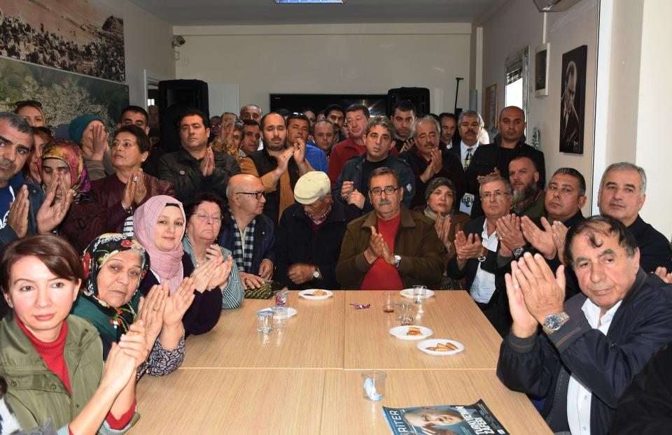 AK Parti Bodrum İlçe Başkanlığına atanan Osman Gökmen görevi devraldı