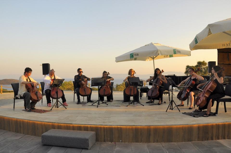 Gümüşlük Festivali Viyolonsel-Piyano ikilisini Zefirya'da ağırladı