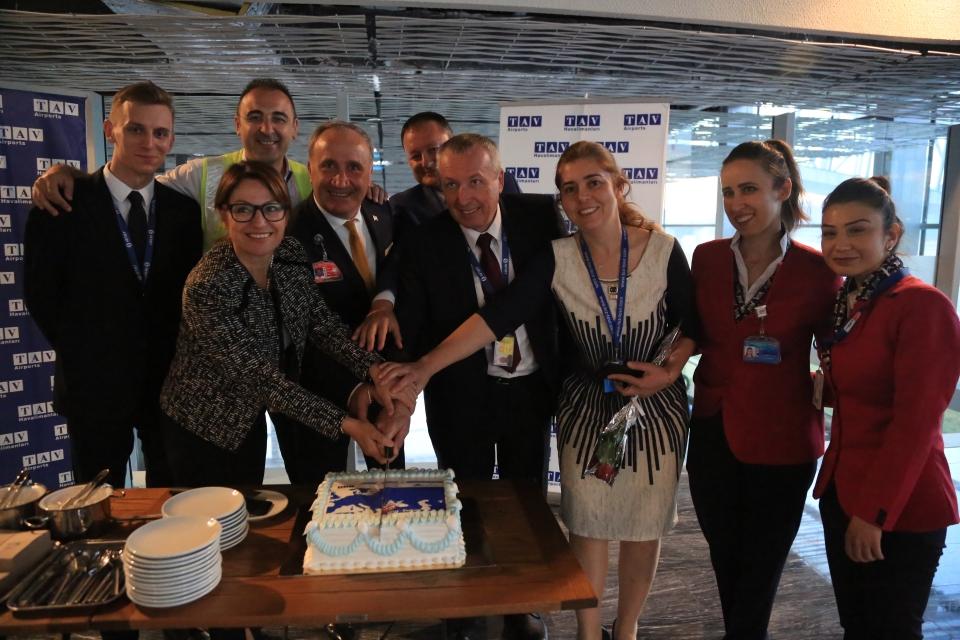 Litvanya'dan gelen yolcu uçağı içi su tankı töreni