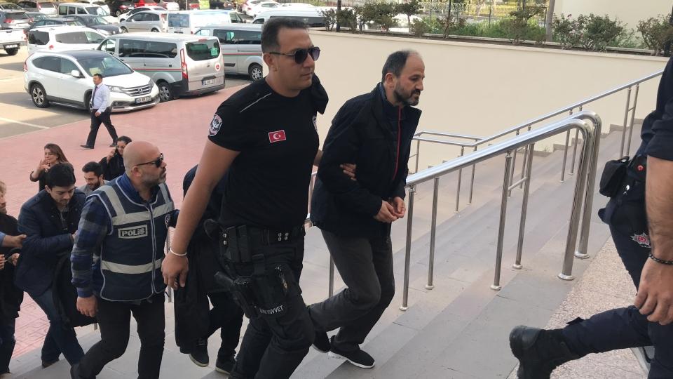 Adliyeye sevk edilen 14  zanlıdan 11'i tutuklandı