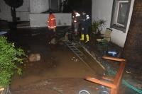 Bodrum-Turgutreis karayolu ile Bitez, Ortakent, Yahşi mahallelerinde yollar sular altında kaldı