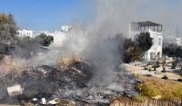 Evler ve otellerin yakınında çıkan yangın korkuttu
