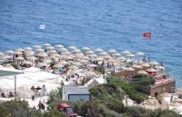 Bodrum Halk Plajı tatilcilerin hizmetinde