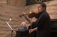 Gümüşlük Toprak Ev'de keman konseri