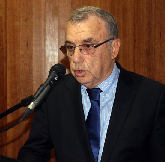 """Prof. Dr. İskender Sayek: """"Tıp'ta bilginin ömrü 3,5 yıl"""""""