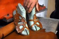 Sandalete adanan ömür