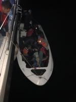 13 göçmen ile bir organizatör yakalandı
