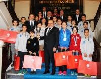 Bodrumlu Şampiyonlardan Vali Çiçek'e ziyaret
