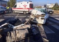 Otomobil tıra çarptı: 1 ölü, 3 yaralı