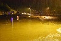 Şiddetli yağmur hayatı olumsuz etkiledi