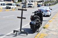 Motosikletle kamyon çarpıştı 1 ölü