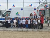 Bahçeşehir çocukları ambulans inceledi
