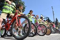 Karayolu bisikletli çocuklara açıldı