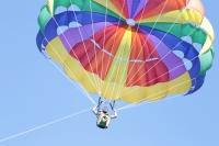 Emre Kaya'nın jet ski ve paraşüt keyfi