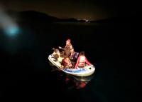 Bodrum açıklarında lastik botla sürüklenen 11 sığınmacı kurtarıldı