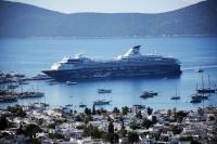 Mein Schiff 2 iki bin turist getirdi