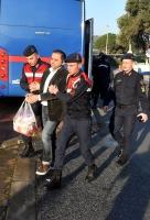 Bodrum'da araca sığdıramadıkları  uyuşturucuyu sahile bırakmışlar