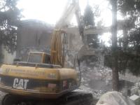Kaçak yapıların yıkımına devam ediliyor