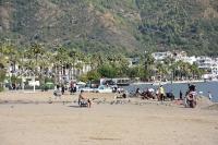 Turistik ilçelerde sahillerde sıcak hava yoğunluğu