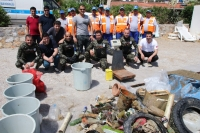 Torba' sahilinden 134 kg atık çıkarıldı