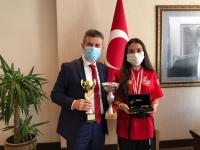 Jeet Kune Do sporcusu Aleyna Pakyürek'den Bodrum Kaymakamı Bilgehan Bayar'a ziyaret
