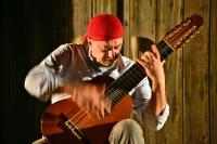 Efsane gitarist Egberto Gismonti Gümüşlük'te konser verdi