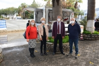 Bodrum'da engelli vatandaş, merhum Mesut Yılmaz için lokma hayrı yaptı