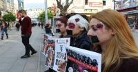 Kadına şiddete dayak makyajıyla dikkat çektiler