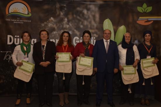 """Kadın çiftçilere """"Kapasite Geliştirme Eğitimi"""""""