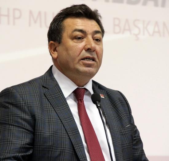 Alban'dan partililere 'Sosyal Medya' uyarısı