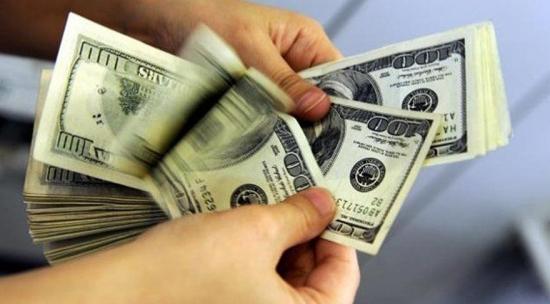 Dolar, Merkez kararı öncesi rekor kırdı