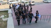 Avukat ve 1 polis dahil 8 kişi insan kaçakçılığı nedeniyle tutuklandı