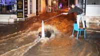 Bodrum'da caddeler göle döndü