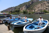 Dalyan Kanalı'nın kürek çeken kadınları