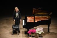 Piyanist İdil Biret Bodrum'da konser verdi