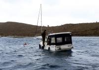 Su alan teknedeki iki kişi kurtarıldı
